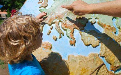 Децата ни имат нужда от положителна нагласа към произхода си